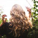 Jak dobrać fryzurę i kolor włosów do typu urody