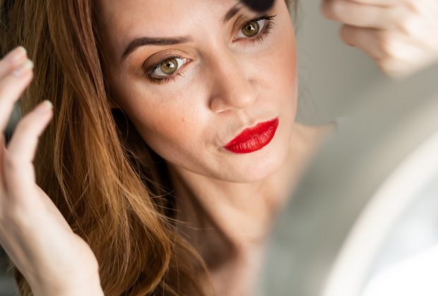 Najczęściej popełniane błędy w makijażu — sprawdź czy ich nie popełniasz