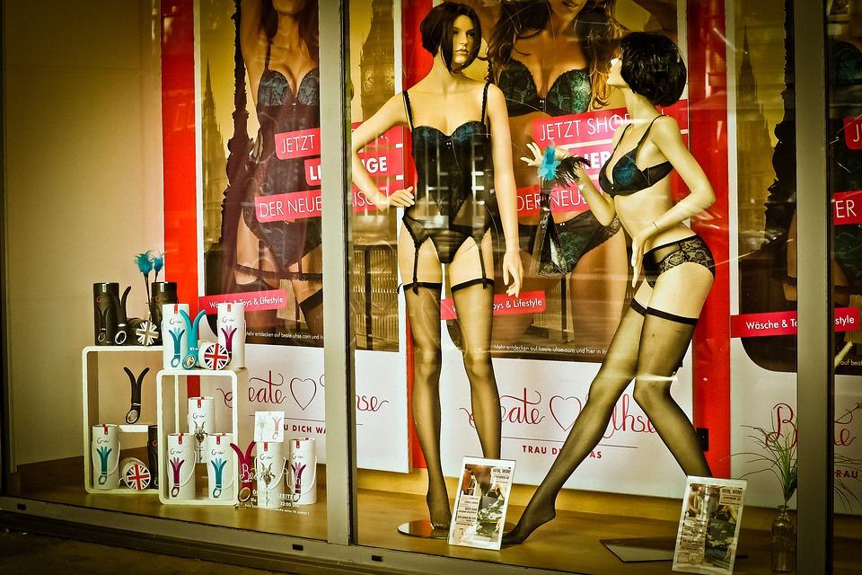 Nowoczesny sex shop, czyli zakupy bez zażenowania